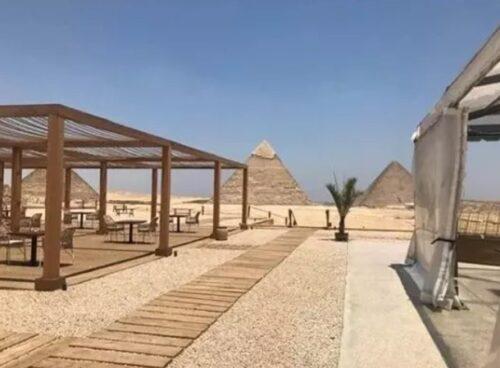 O que fazer em Gizé: restaurante 9 Pyramids Lounge