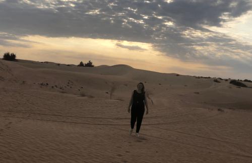 por do sol deserto de dubai